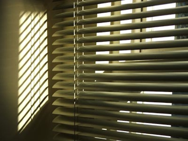 How To Clean Venetian Blinds Renosaw