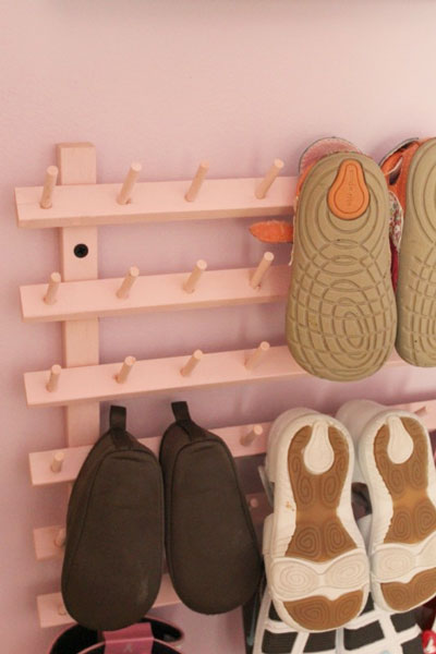 Specially for smaller size of shoe. A space for kids' shoe?